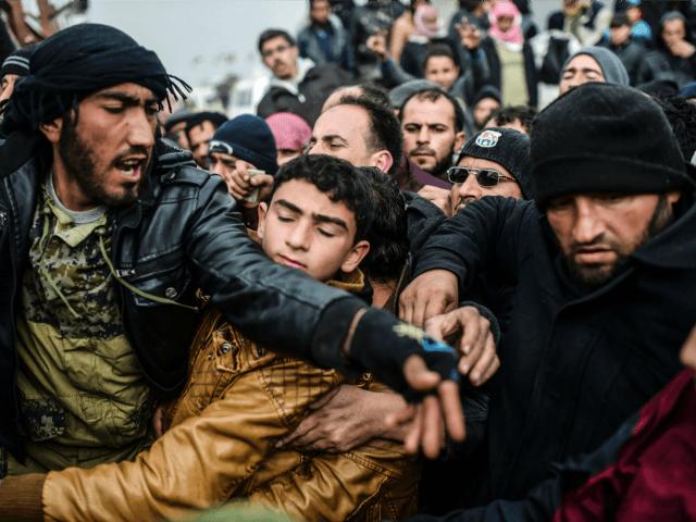 migrants-revolt